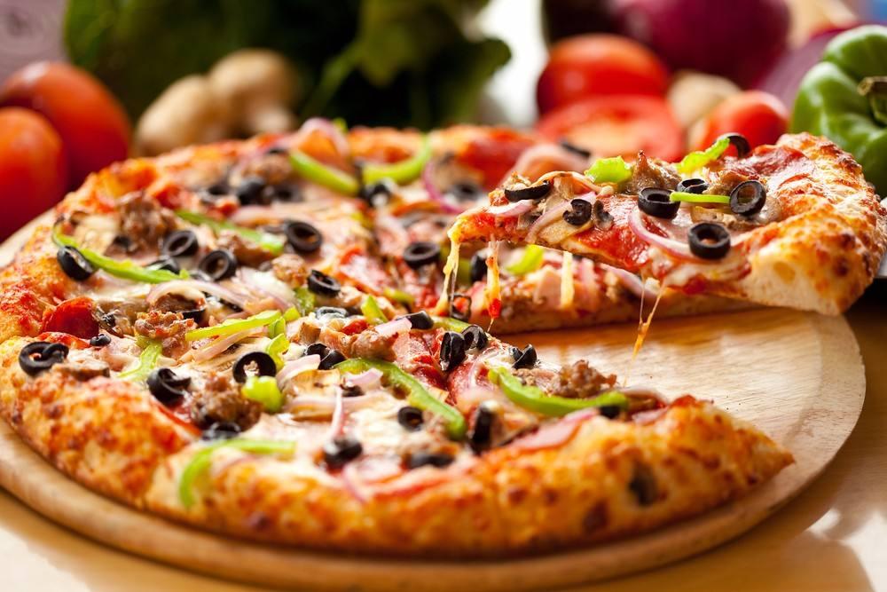 صورة طريقة عمل بيتزا مارجريتا , قومي باعداد احلى اكله لاولادك