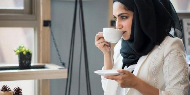 صورة اتيكيت شرب القهوة , معلومات عن الاتيكيت