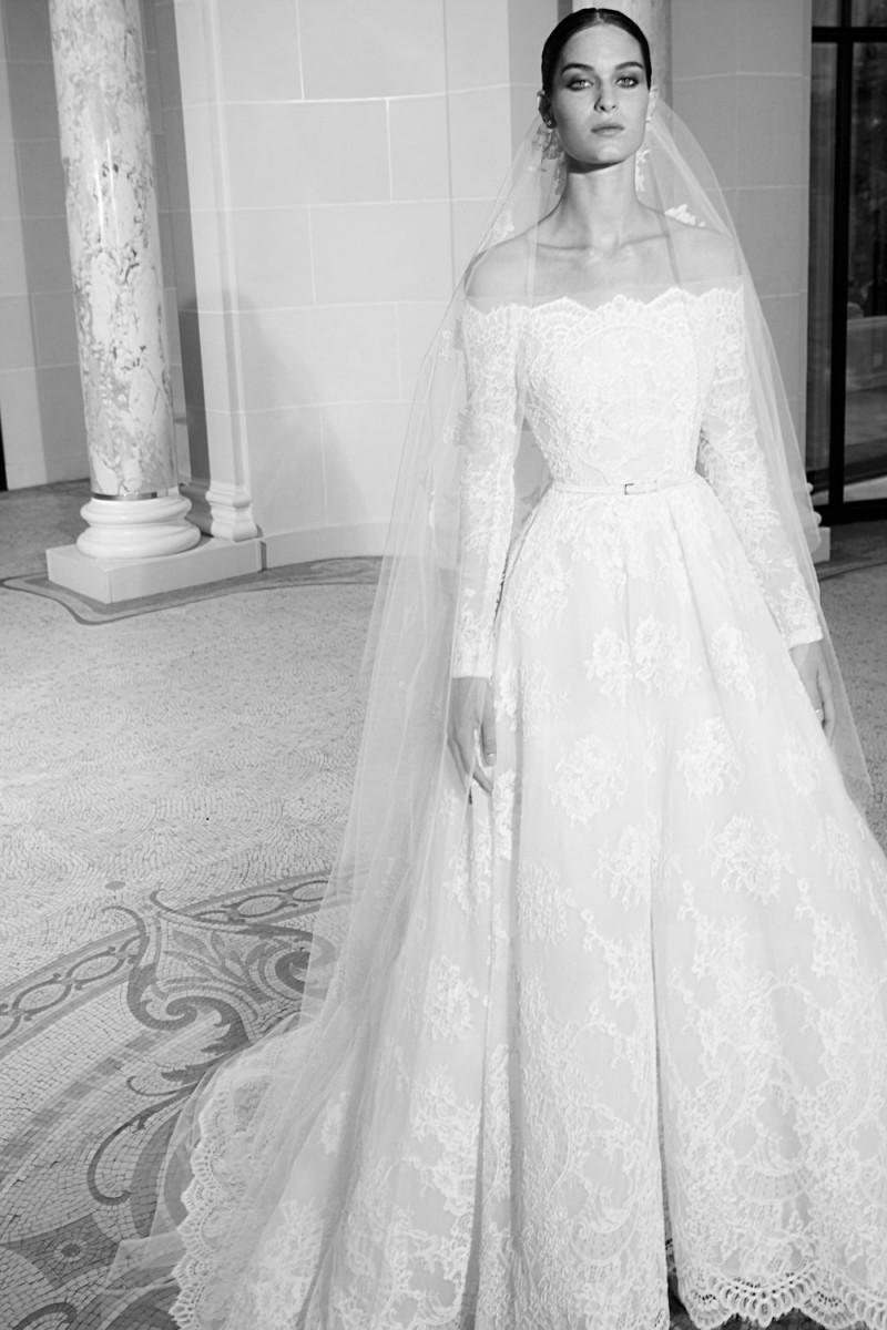 صور فساتين اعراس ايلي صعب , افكار غريبه لفساتين من تصميم ايلى صعب