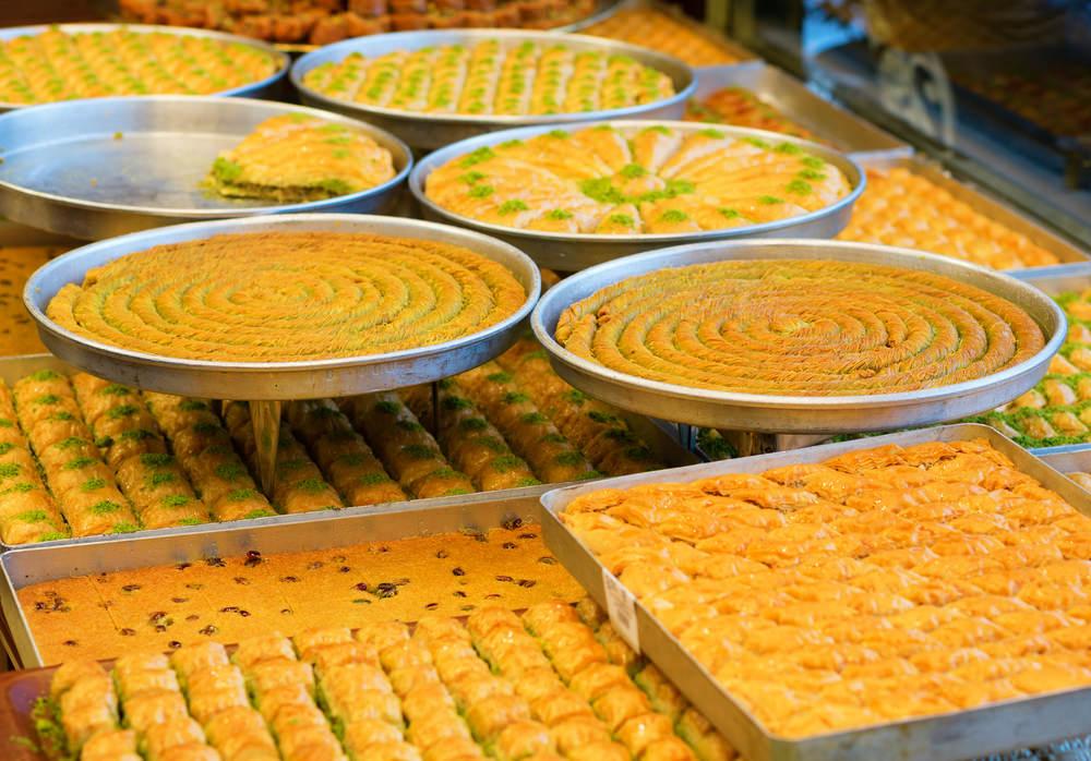 صورة المطبخ العربي للحلويات , اطباق مختلفه من الاكلات والحلويات العربيه