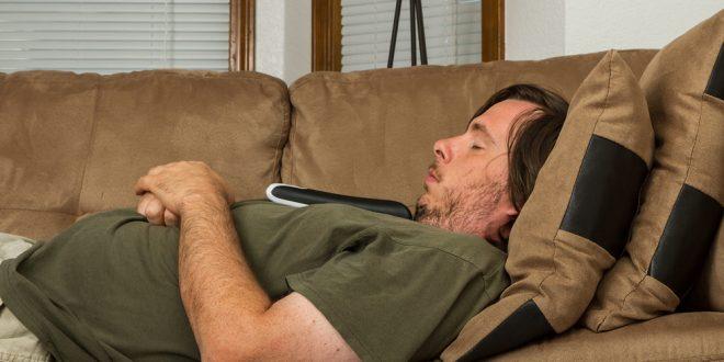 صور اضرار النوم على الظهر , تعرف على الاشياء التي يتعرض لها الجسم اثناء النوم