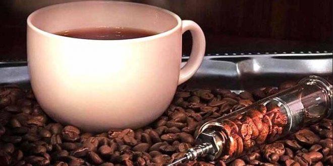 صور اعراض زيادة الكافيين , مج قهوة زيادة كفيل انه يموتك