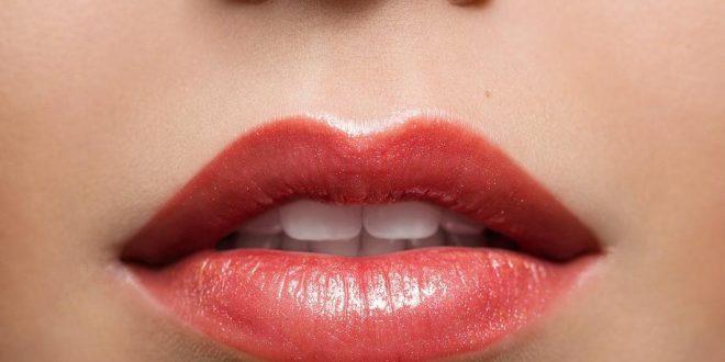 صورة للحصول على شفاه حمراء طبيعيا , اظهرى شفايفك باحلى شفايف حمراء