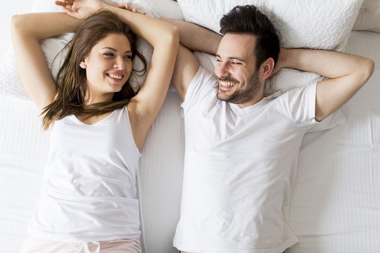 صورة كيف اثير زوجي بالكلام بالتلفون , ازاى تقربى جوزك منك حتى وهو بعيد